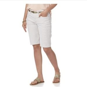 Rider By Lee Mid Rise White Bermuda Shorts 18